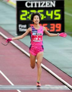 oosakakokusai obara 235x300 - 大阪国際女子マラソン松田瑞生選手が2:21:47で優勝!代表確定か!
