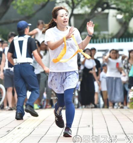 miuraana marathon - 田中みな実さん初写真集が好評?発売から1カ月半で60万部突破!